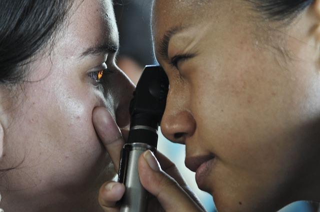 klinik spesialis mata di tangerang